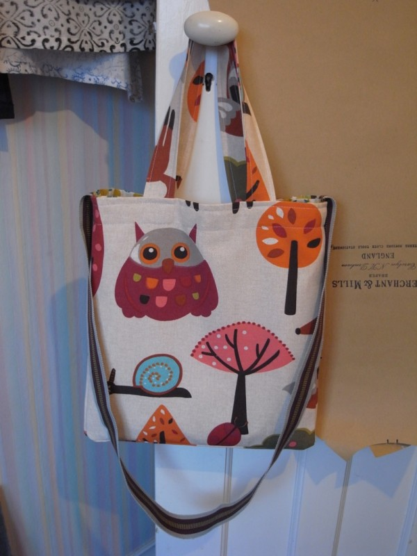 and the owl, love the snail too. This is such a fun, cute bag.