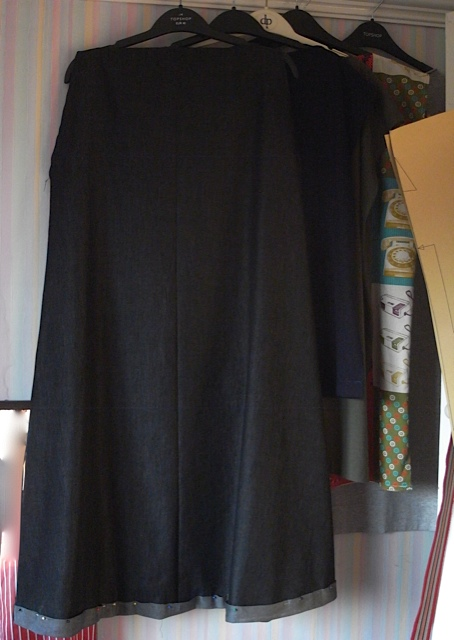 This shows the hem and I was trying to do a contrast hem, sadly didn't work. Think it would have looked amazing.