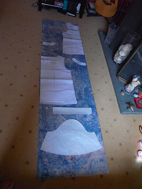 Bit of a tight fit on the fabric when its 112cm wide.