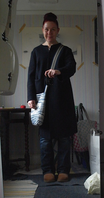 Here I am wearing a coat, top and bag I made and jeans that i shortened. Man do I feel smug!